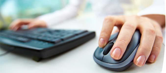 Computer Maus und Tastatur.