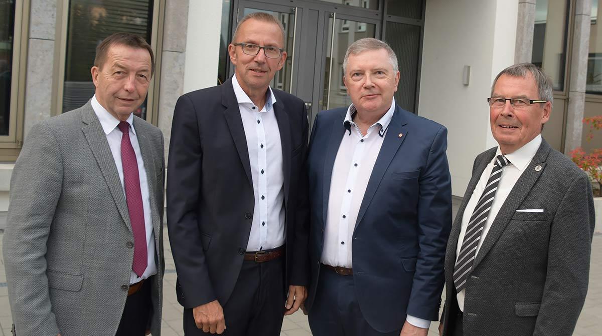 Rainer Schwarz, Joachim Arnold, Oswin Veith und Dr. Ulrich Lenz